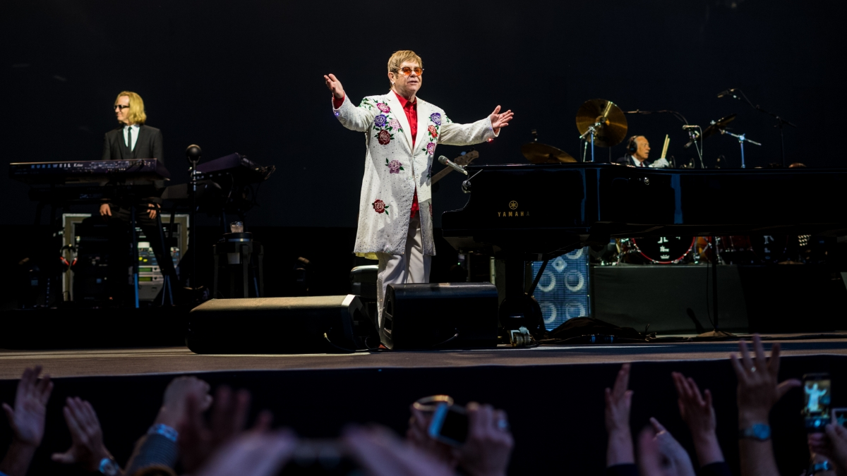 Elton_John_-_Twickenham_Stoop_-_Saturday_3rd_June_2017_EltonTwicStoop030617-13_(34966608161)